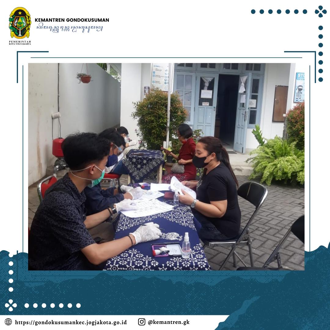 Pendistribusian Bantuan oleh PT. POS untuk Warga Masyarakat Kemantren Gondokusuman
